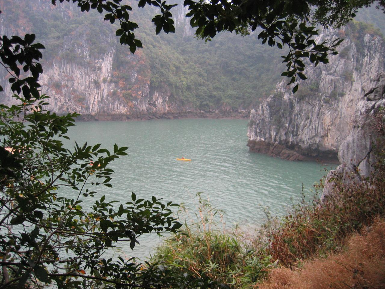 Ha Long Bay cruise_view of islands 4
